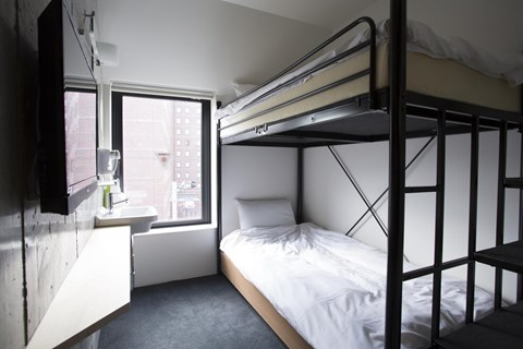 Piece Hostel 雙床房
