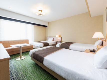 京都新阪急酒店高級三人房