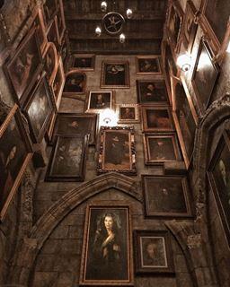 城堡內畫像