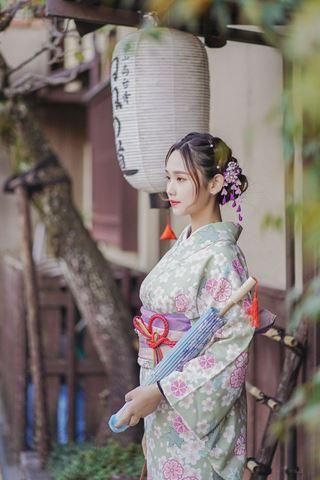 櫻花和服俏麗和服