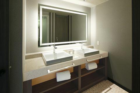 京都塔飯店和洋浴室