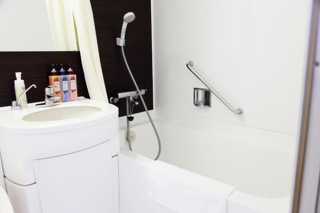 京都塔飯店小浴室