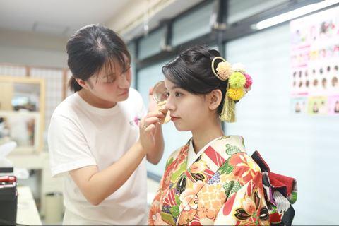 櫻花和服化妝